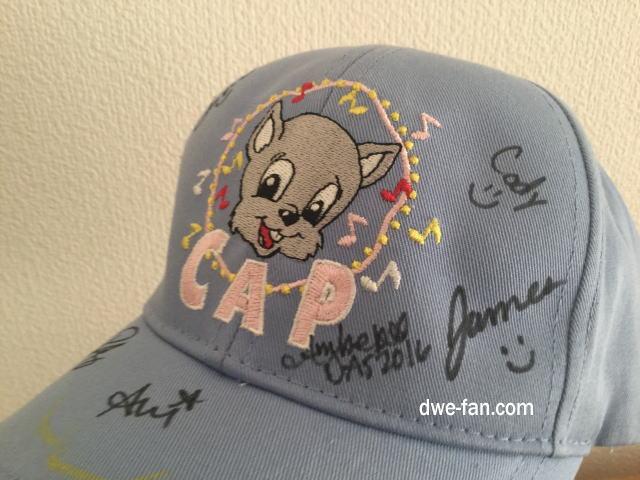 ワールドファミリークラブ(WFクラブ)週末イベントでライトブルーCAPにサインをもらった